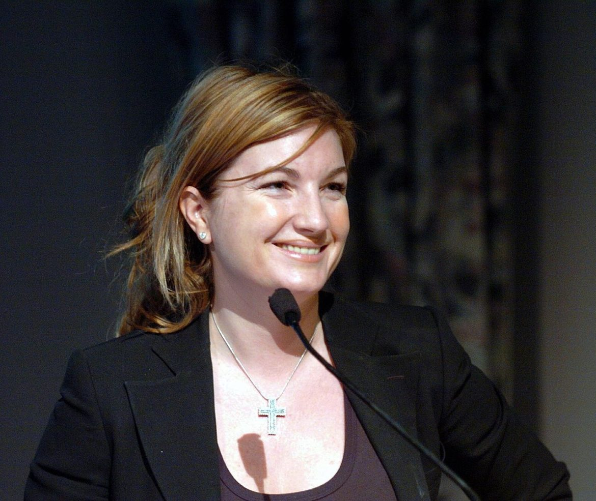 karen brady research Karen brady is a camogie player and student she won a soaring star award in 2009 and won a 2009 all ireland junior camogie medal[1] karen also donned the number four jersey in offaly's narrow.